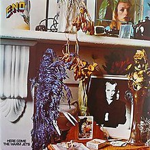 Here come the warm jets / Brian Eno |